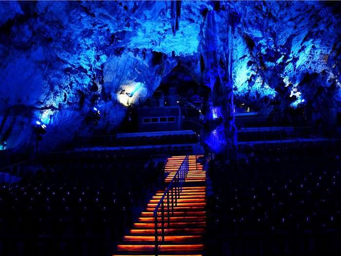 غار سنت مایکل