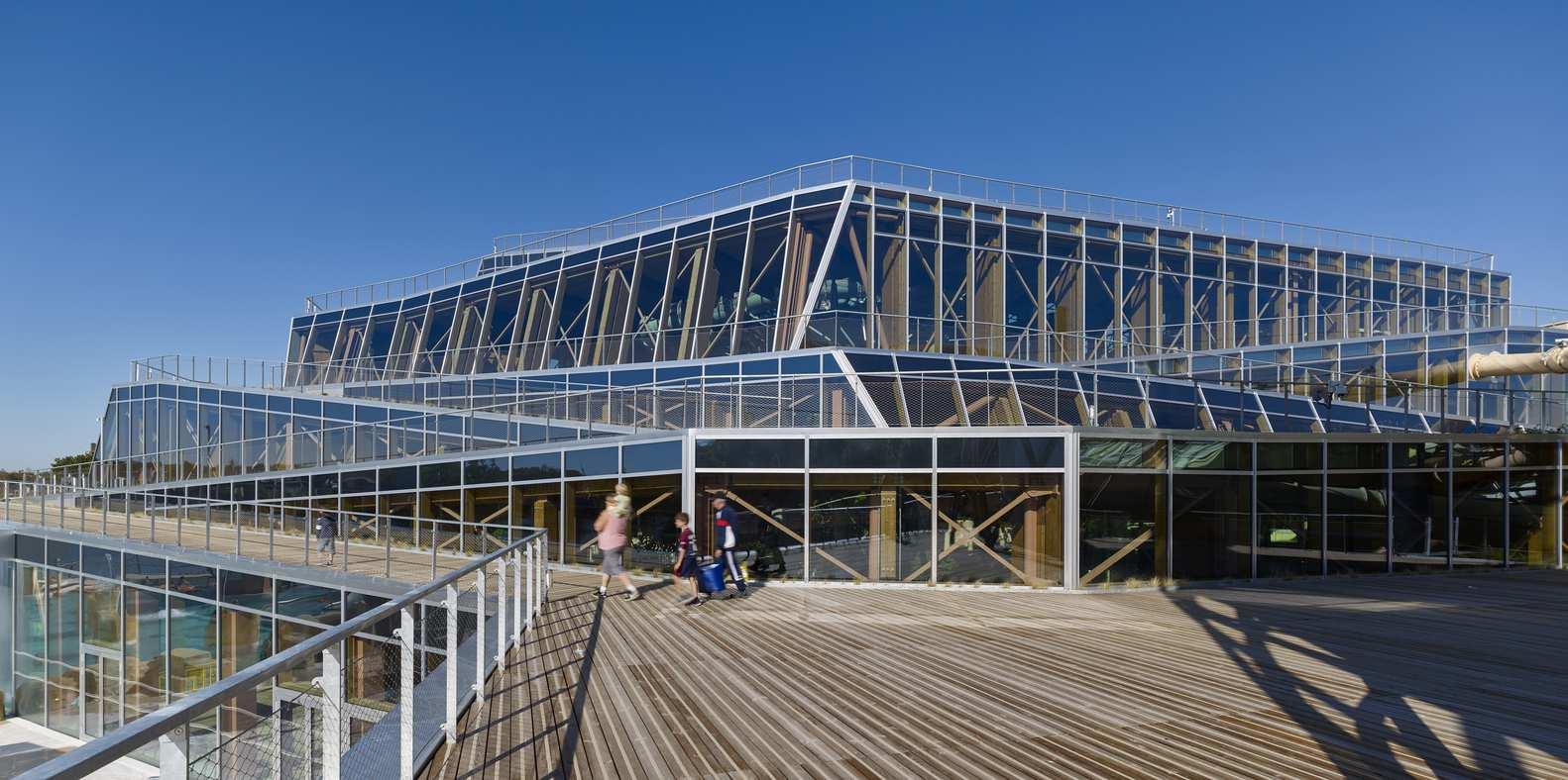 پارک آبی با رویکرد معماری پایدار