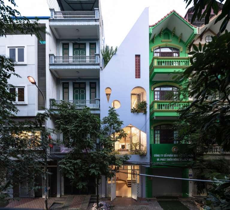 آپارتمان مسکونی سه طبقه