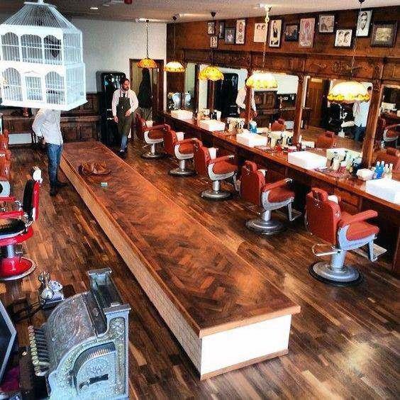 آرایشگاه کلاسیک مردانه