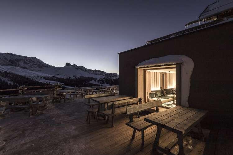 معماری هتل کوهستانی