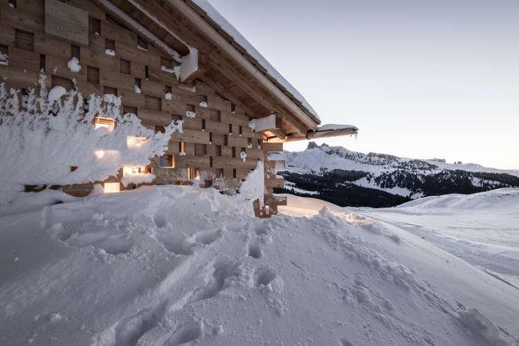 طراحی اقامتگاه کوهستانی