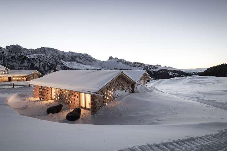 طراحی هتل کوهستانی