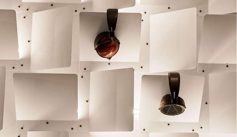 طراحی داخلی فروشگاه هدفون