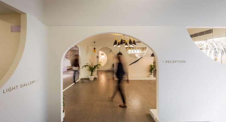 دکوراسیون داخلی استودیو هنری نور