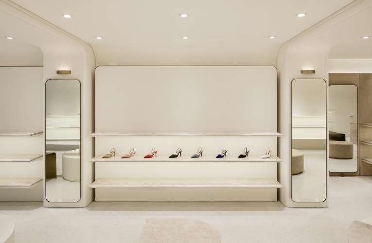 طـــراحی داخلی فروشگاه کفش