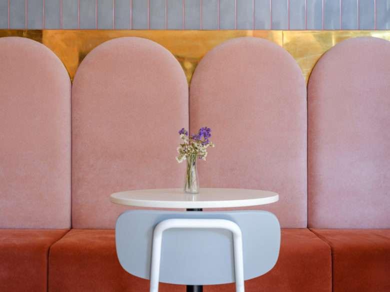 طراحی داخلی کافه قنادی