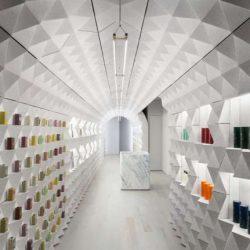 طراحی داخلی فروشگاه محصولات بهداشتی