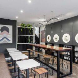 طراحی داخلی کافی شاپ دو طبقه