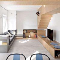 استودیو آپارتمان با مبلمان چوبی