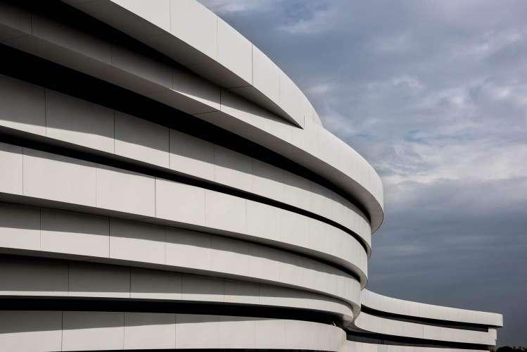 معماری سالن ورزشی چند منظوره آرنا