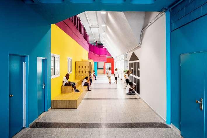 مدرسه رنگارنگ