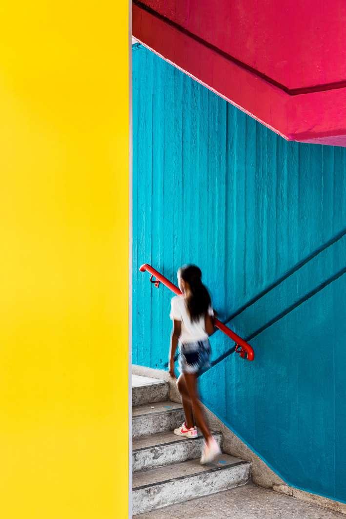 طراحی مدرسه ابتدایی رنگارنگ