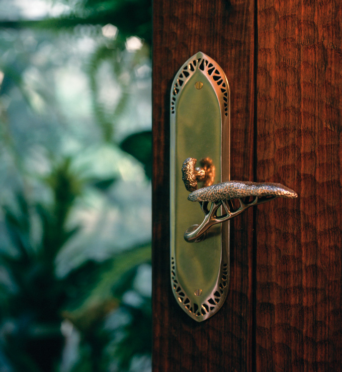 خلاقیت در طراحی دستگیره درب
