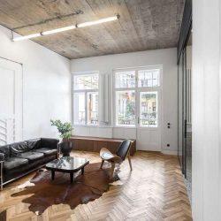 بازسازی آپارتمان 65 متری در رومانی