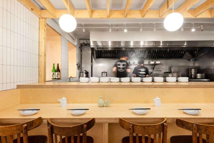 دکوراسیون داخلی کافه بار ژاپنی