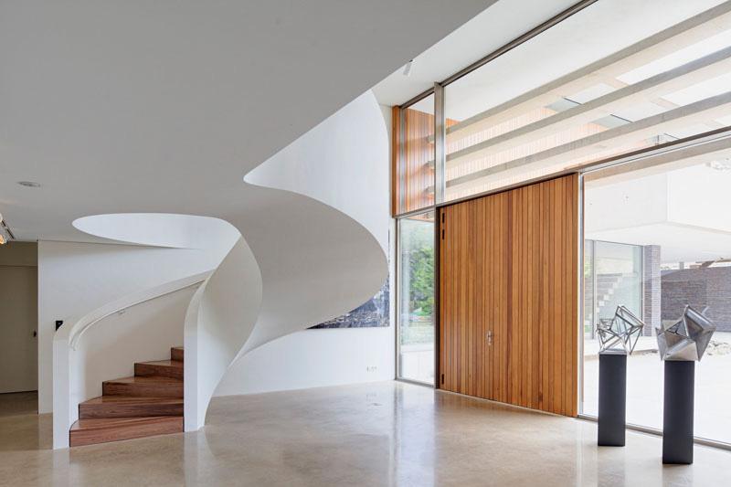 پله گرد در دکوراسیون داخلی