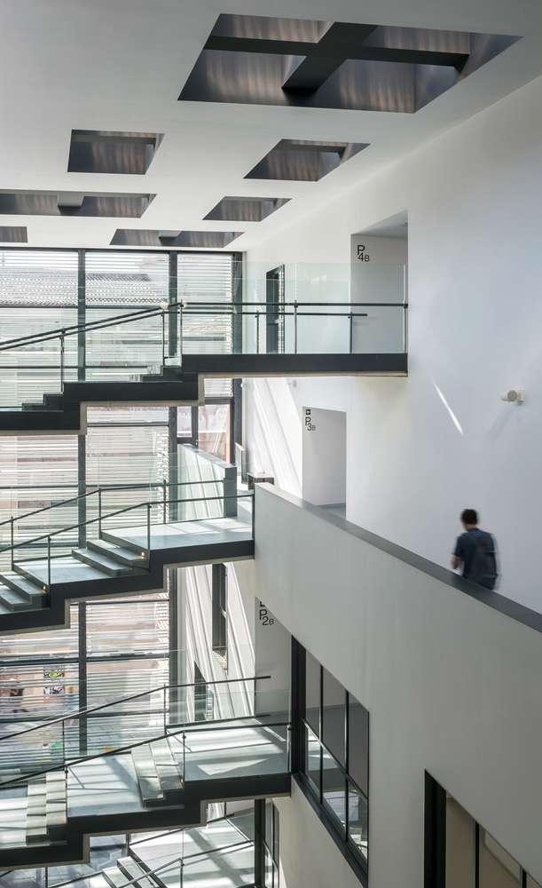 معماری دانشکده هنر و طراحی