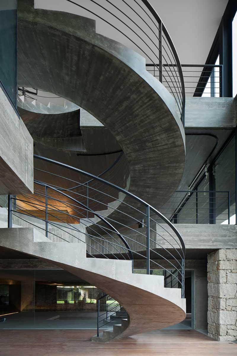 ایده خلاقانه طراحی راه پله لوکس با متریال های مختلف