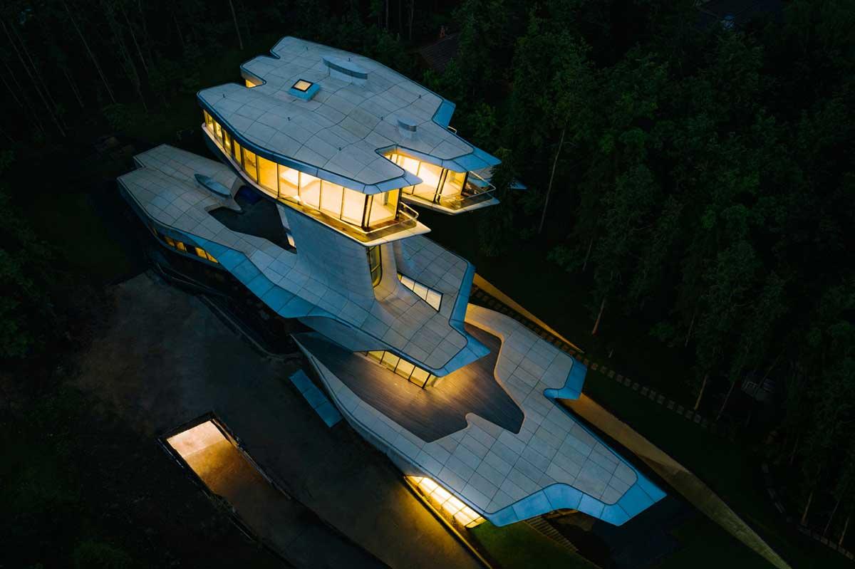خانه لوکس زاها حدید در جنگل های روسیه