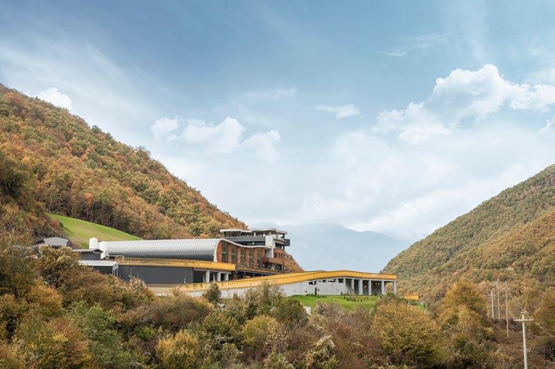 معماری کارخانه آب معدنی