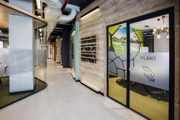 دفتر کار با متریال سازگار با محیط زیست
