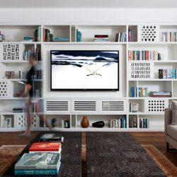 طراحی کتابخانه سفارشی در نشیمن یک آپارتمان مدرن