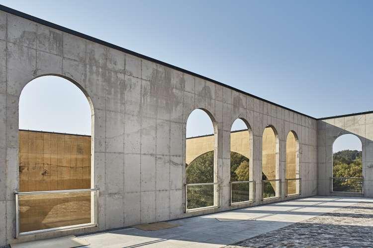 معماری سالن تشریفات عروسی