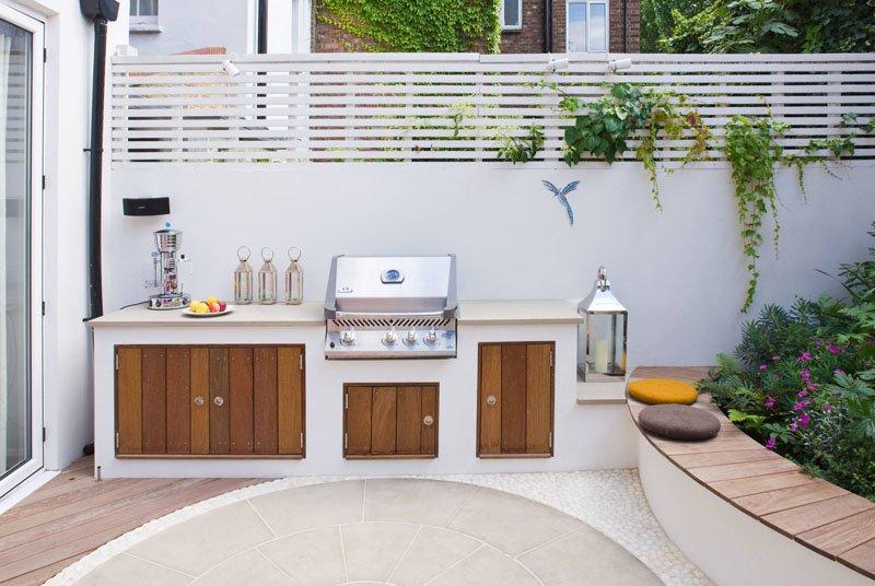 طراحی حیاط خلوت مدرن با پاسیو صورتی