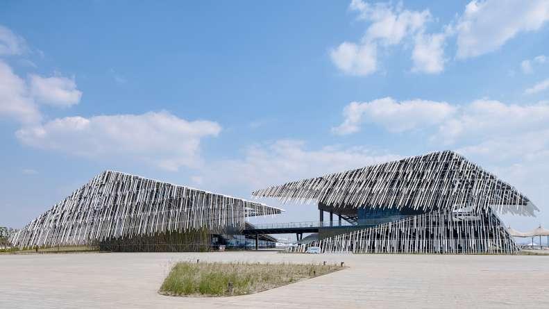 معماری مرکز تفریحی توریستی مدرن