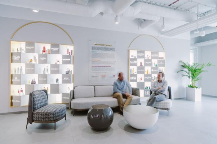 طراحی دفتر کار لورآل در لهستان