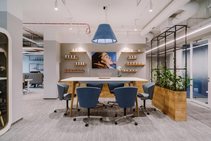 طراحی داخلی شرکت لورآل