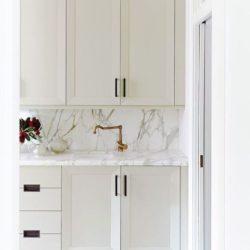 8 علت کاربرد رنگ های روشن در آشپزخانه