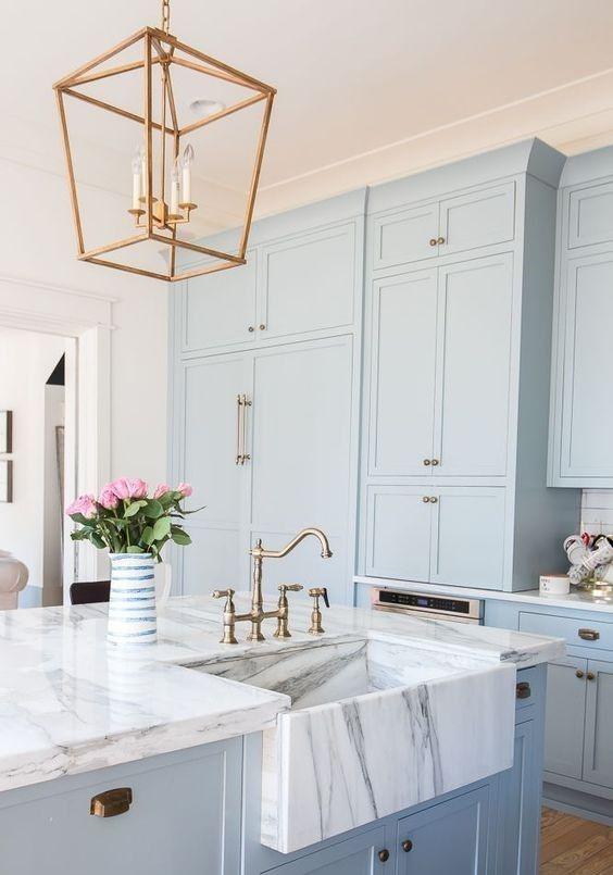 استفاده از رنگ های روشن در آشپزخانه