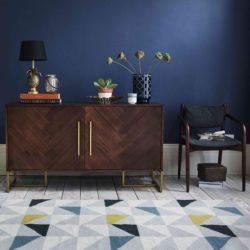 نحوه استفاده از مبلمان چوبی تیره در طراحی داخلی