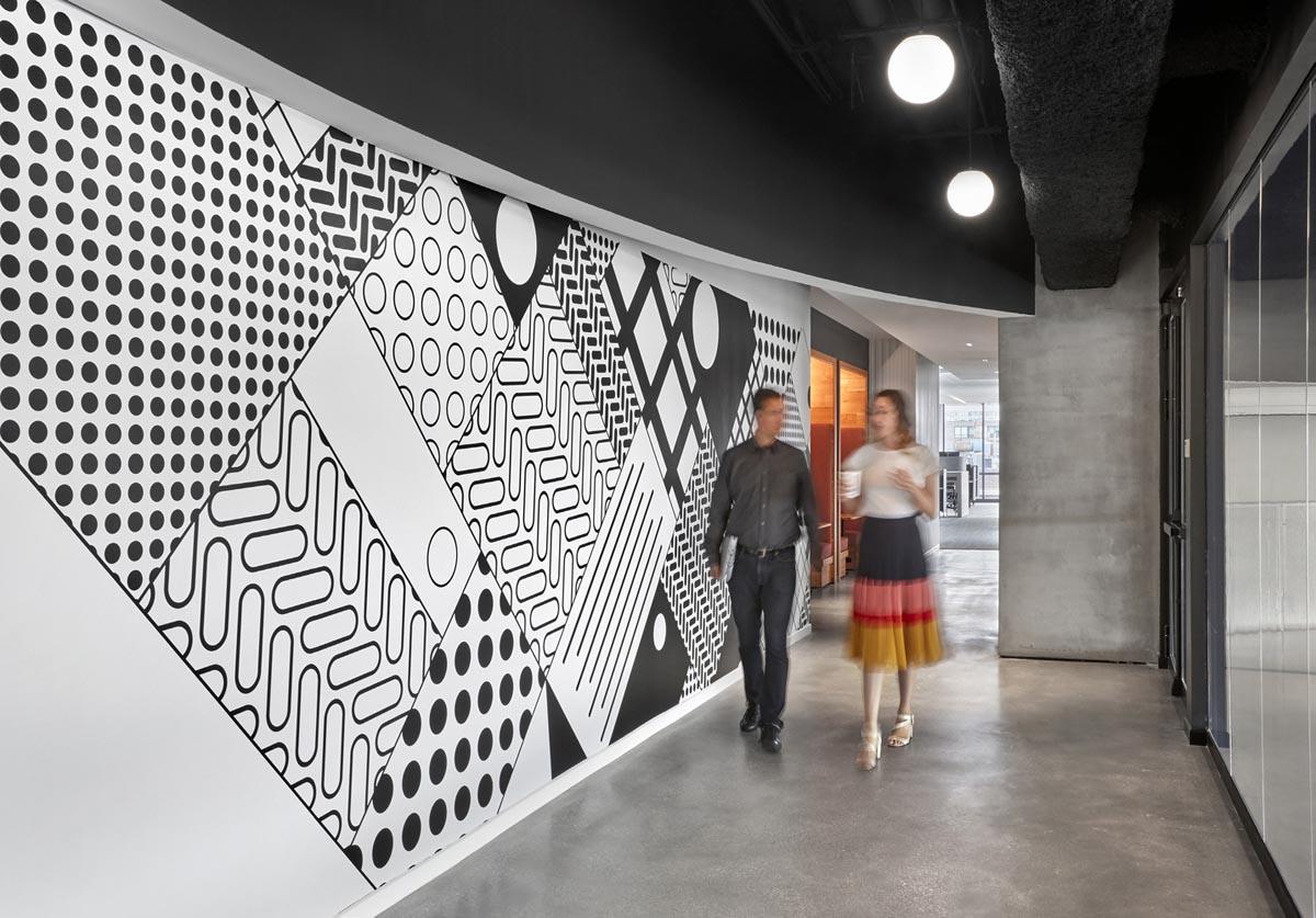 طراحی داخلی فضای اداری مک دونالد
