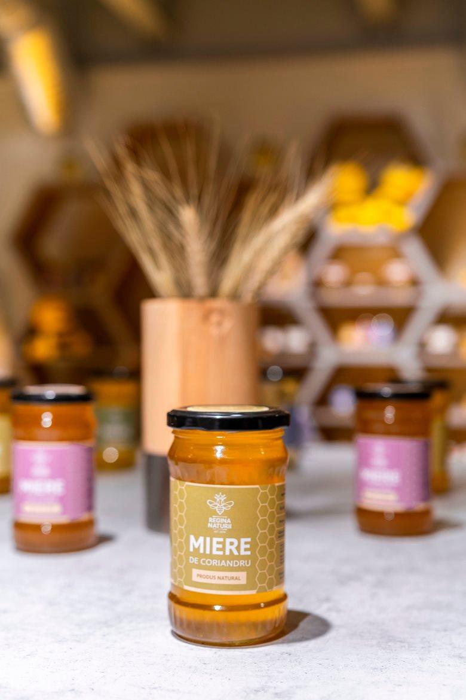طراحی داخلی شرکت عسل فروشی