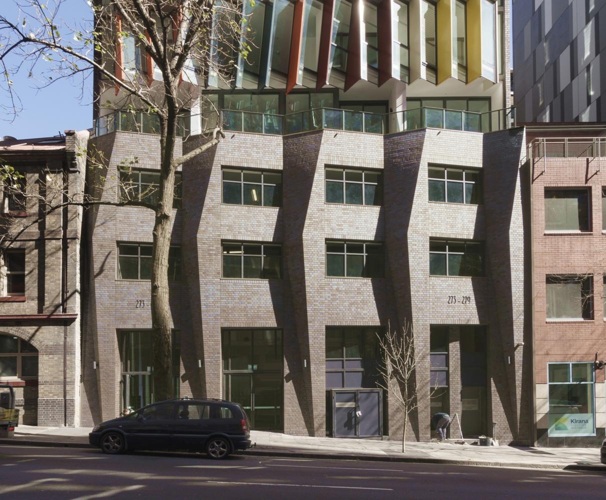 طراحی نمای ساختمان با موزاییک های رنگی