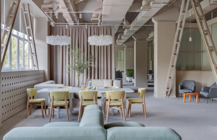 طراحی داخلی دفترکار مدرن با فضایی آرامش بخش