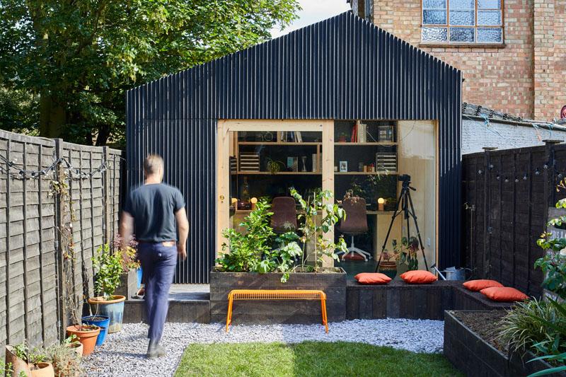 طراحی استودیو معماری کوچک با حیاط خلوت