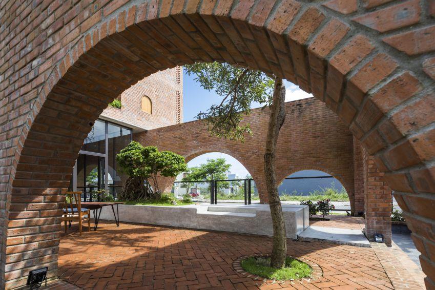 طراحی خانه گرمسیری همراه با کافی شاپ