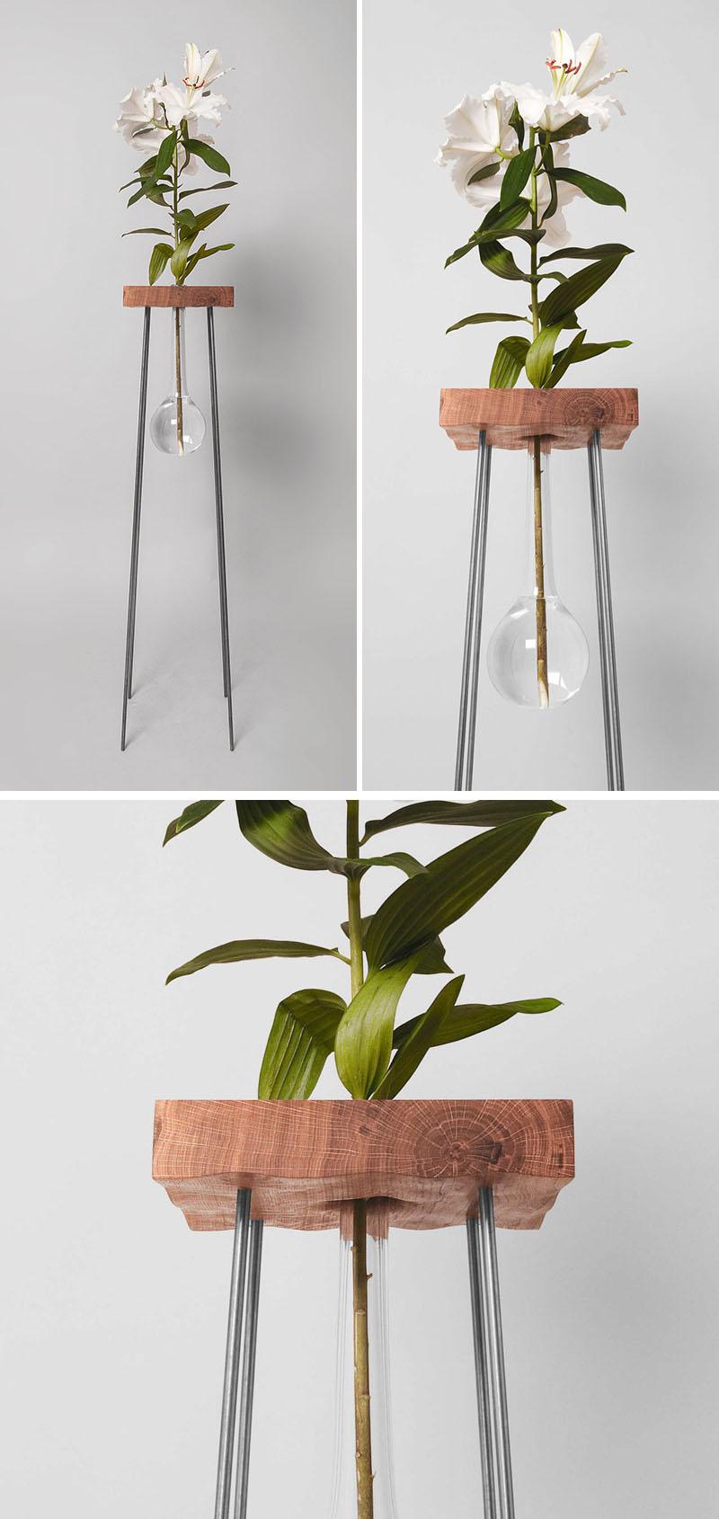 طراحی گلدان شیشه ایی پایه دار