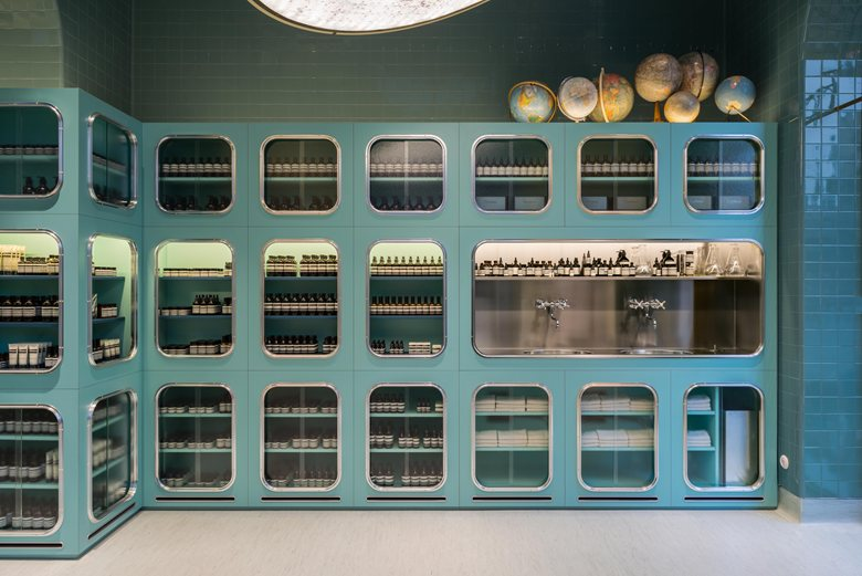 دکوراسیون داخلی فروشگاه
