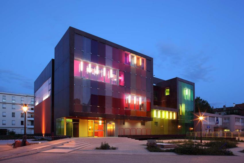 طراحی مرکز ورزشی و تفریحی