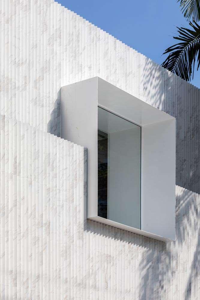 طراحی فروشگاه با تمرکز بر فروش پوشش های داخلی و خارجی ساختمان