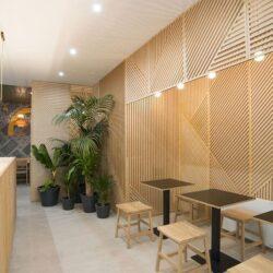 طراحی رستوران با پانل های چوبی