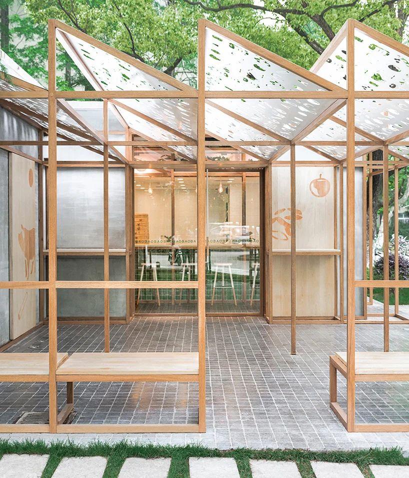 دکوراسیون داخلی رستوران با پانل های فلزی